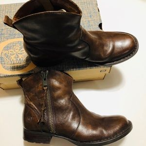 """Børn """"Gilly"""" Leather Boots in Brown - Sz 8.5"""